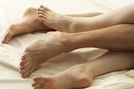 voeten man en vrouw