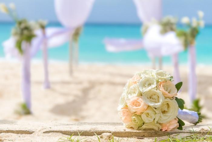 huwelijk bruiloft liefde ibiza bloemen strand liefde love MAMA to the max