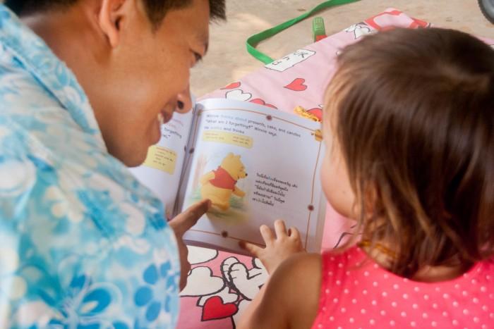 tweetalig opvoeden, ouders, buitenland, kinderen, les, blog, MAMA to the max, scholen