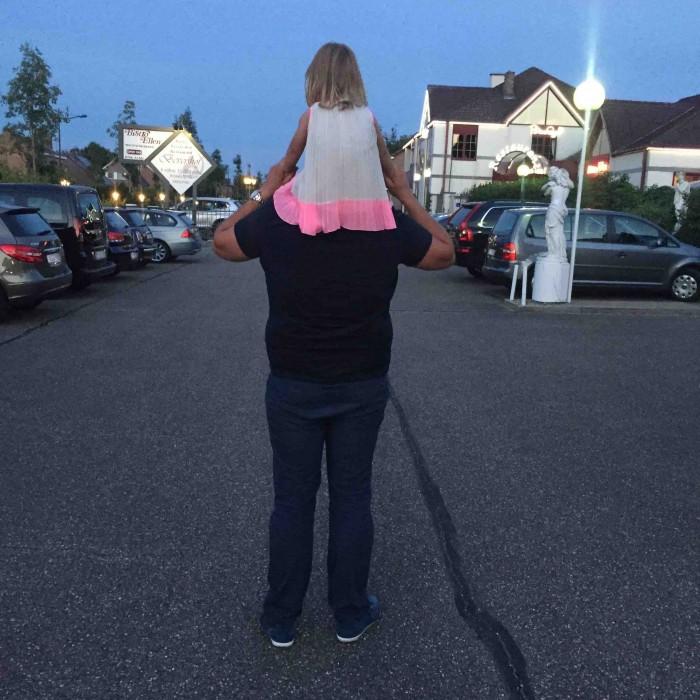moeder dochter vakantie spanje zo'n zee strand papa MAMA to the max