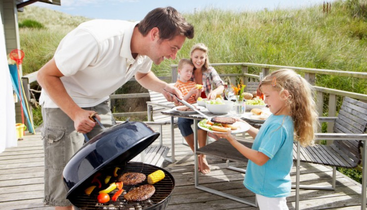 mamatothemax; Mama to the Max; Marjon Franssen; barbecue met kind; BBQ; spiritus; veilig barbecuen