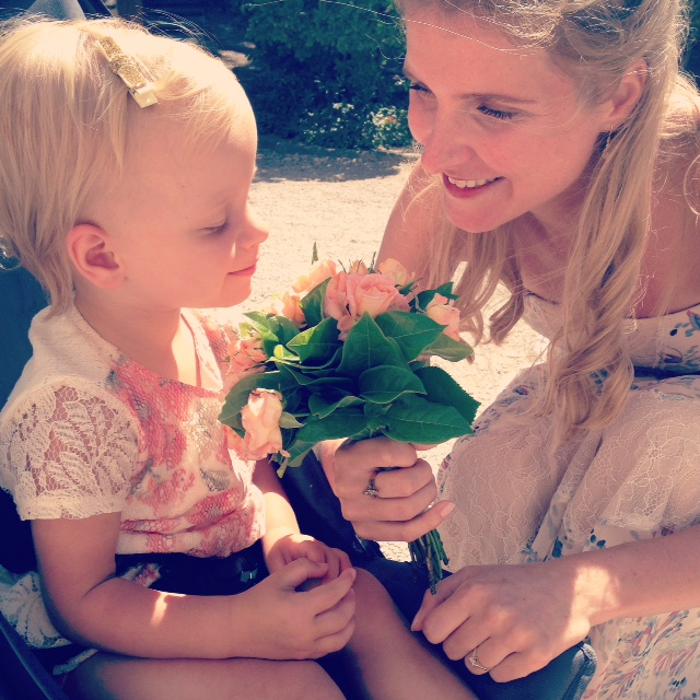 Mama to the Max; mamatothemax; mamablog; blogger; tweelingmoeder; trouwen in frankrijk; bruidsboeket