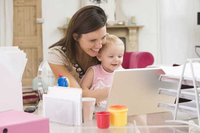 62a6669338d Thuiswerken: ideaal of toch niet? - MAMA to the maxMAMA to the max