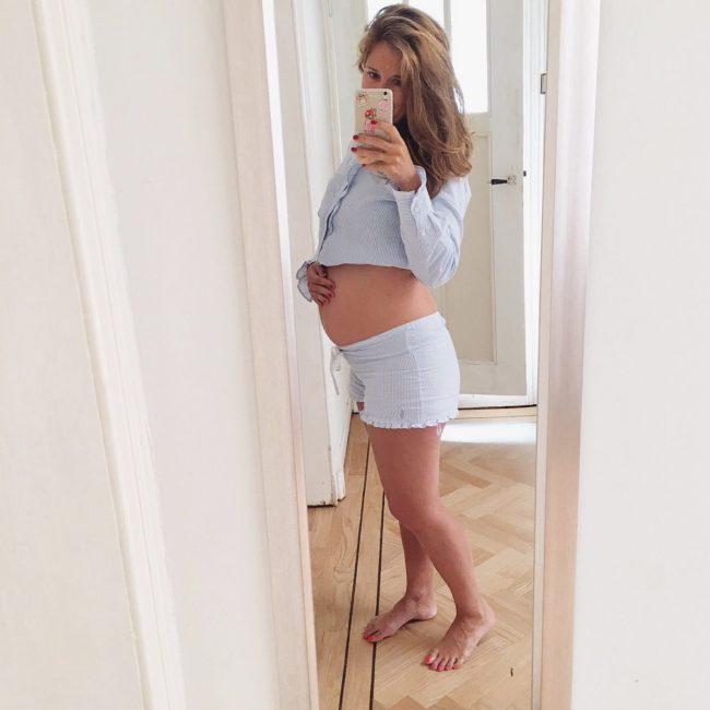 borstvoeding of flesvoeding mamakeuzes zwanger zwangerschap zwangerschapsdilemma moederdilemma moeder MAMA to the max