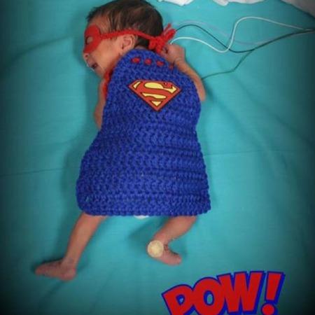 mama to the max momstalk haloween te vroeg geboren verkleed voor haloween als super helden op nicu