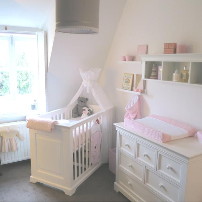 De babykamer roomtour van ons meisje mama to the maxmama to the max - Verf babykamer ...