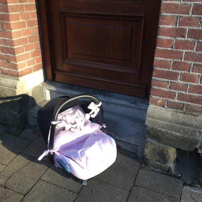 wolk roze kraamtijd kraamhulp verloskundige newborn baby moederschap kraamtranen MAMA to the max