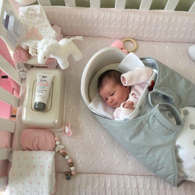 kraamtijd roze wolk baby bevalling kraamhulp kraamtranen verloskundige newborn MAMA to the max