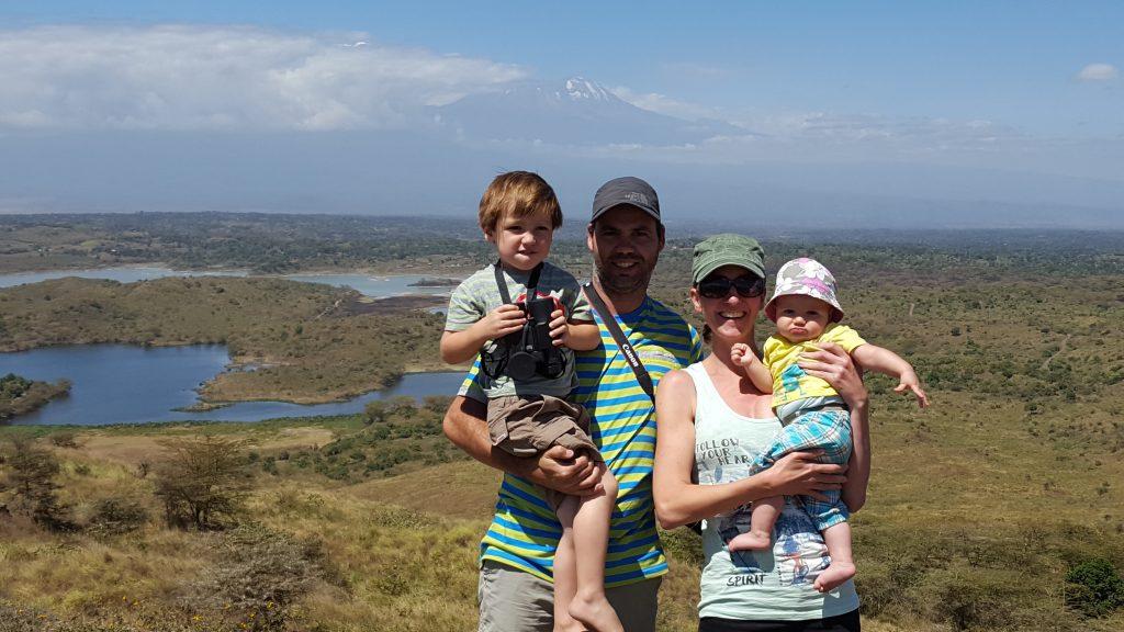 terug naar Afrika mama in het buitenland mama to the max gezin Kilimanjaro