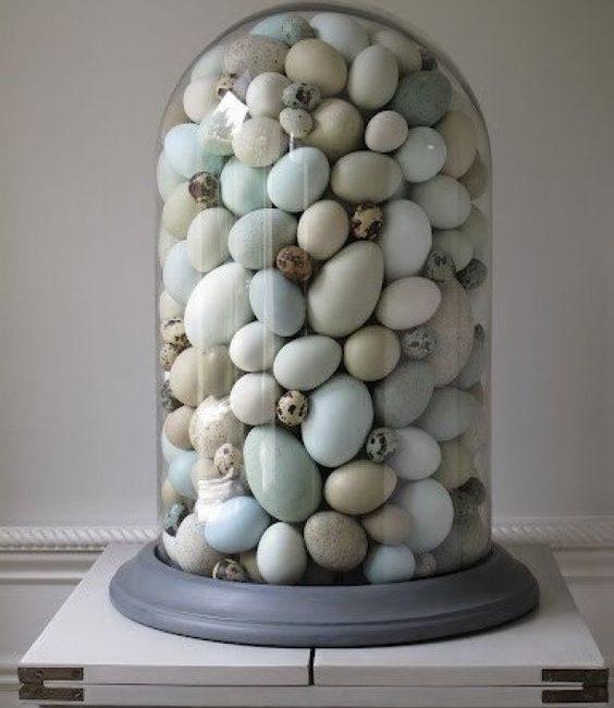stolp met eitjes