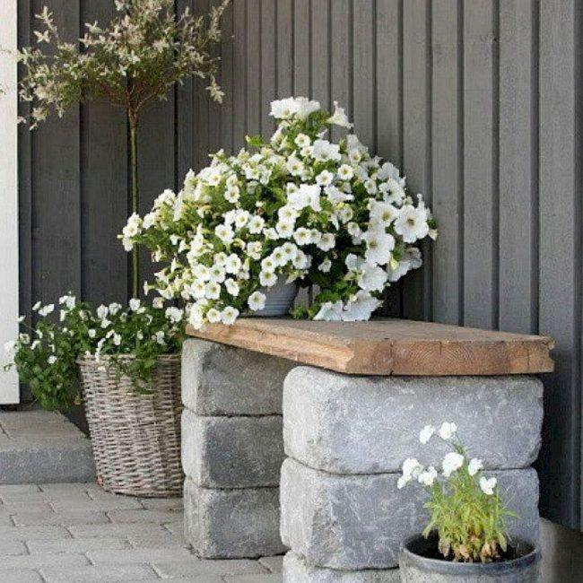 voorjaarsinspiratie zelfgemaakt bankje bloemen