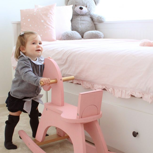 Eat Play Love mama to the max what we wear Lilou outfit