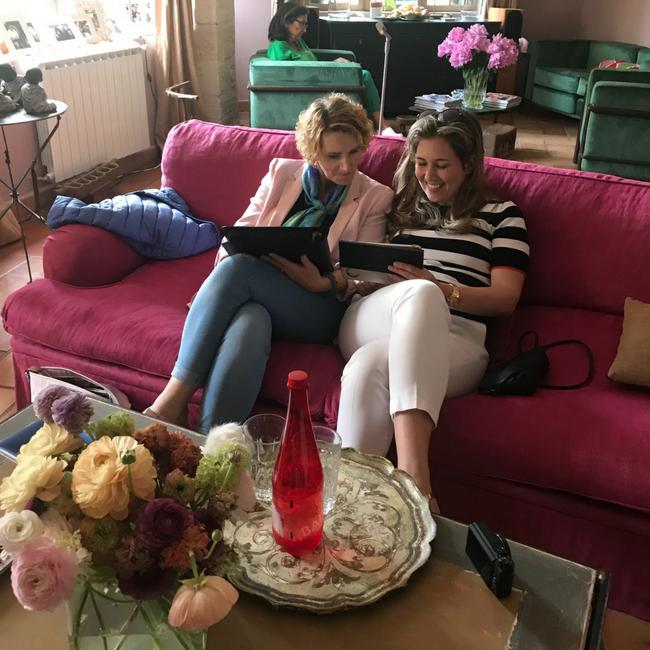 weekly snaps 18 2018 wekelijks dagboek lente eerste stapjes vakantie maastricht mama mamablog zes Frankrijk Opel reizen zusjes meisjesmama moeder baby kleuter MAMA to the max