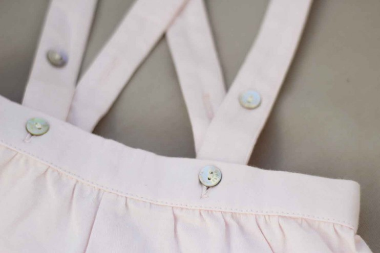 What We Wear Lilou in 3 pakjes Baby Boutique Fofettes Buissonniere tuinbroekjes