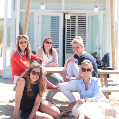 waardevolle vriendschap social media 2018 lente maastricht mama mamablog reizen meisjesmama katwijk aan zee vriendinnenweekend strandhuisje sandcsleep moeders zonnebril weekendje weg MAMA to the max