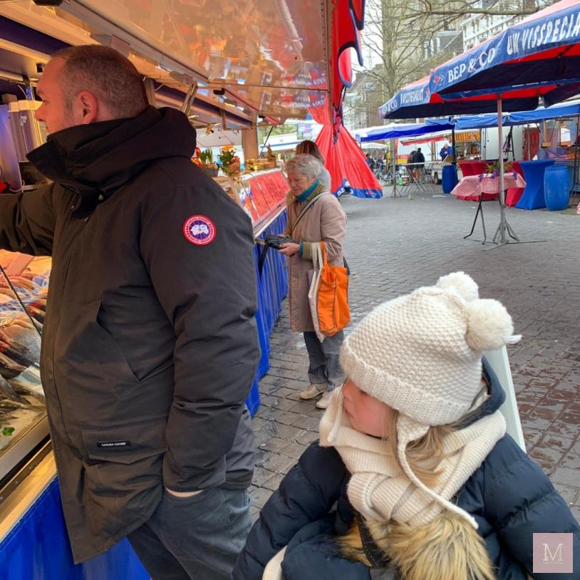 Infodag etherische oliën, kraambezoek, hotel Utrecht, kleertjes.com, verse bloemen, Etherische oliën, gewicht, buiten spelen, voorjaar, lente, Maastricht, mama, MAMA to the max, mamablog, meisjesmama, loft88, lunchen, reizen, riviera maison, Stokke, VTech, verjaardag Maxime, weekly snaps 15 2019 wekelijks dagboek, zusjes