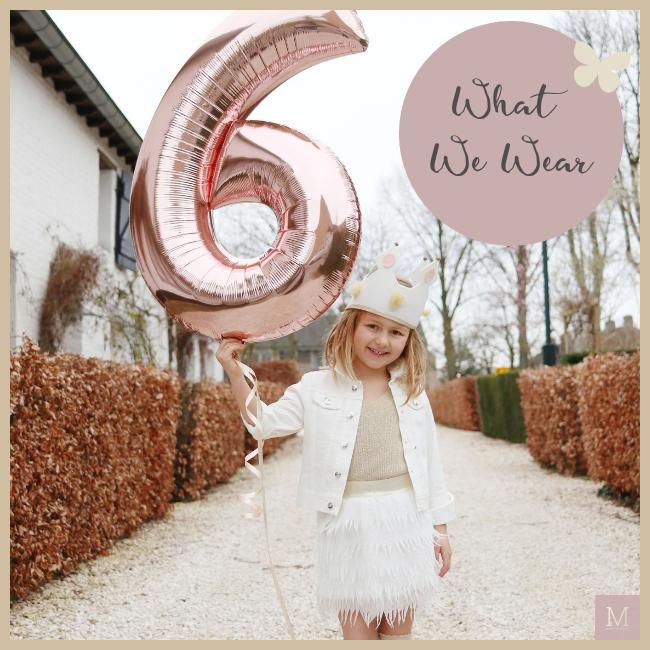 verjaardagsoutfit Maxime, Maxime 6 jaar, Miracles, Gallucci, laarsjes meisje goud, rokje meisje veertjes, verjaardag kledingset, Charlie, Nathalie Today,