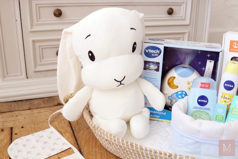 grote knuffel wit konijn originele kraammand kraamcadeau voor kraamvisite mamatothemax