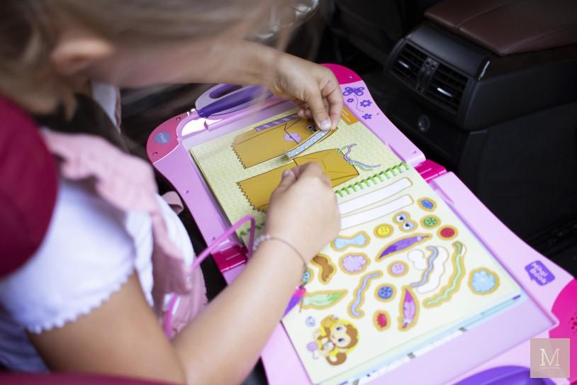 tips autoreis met kinderen vakantie magibook vtech speelgoed mamatothemax v2