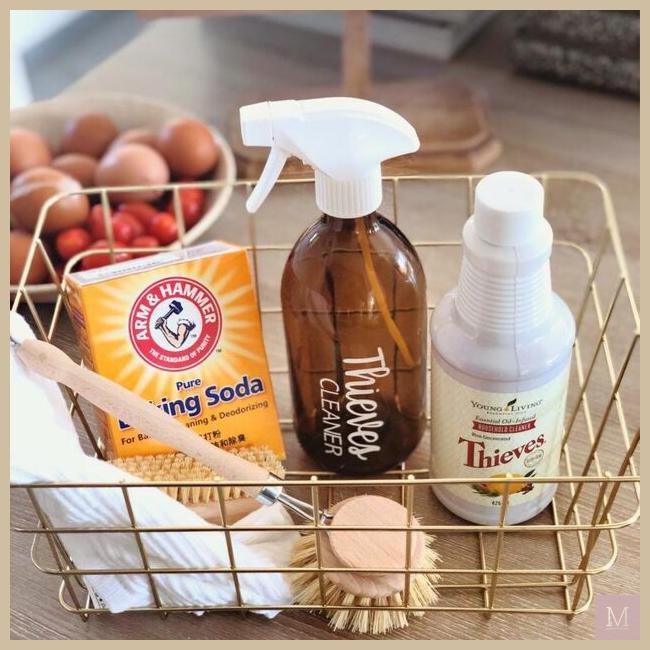 schoonmaken met essentiële oliën, Thieves, Blooming Blends, MAMA to the max, najaarsschoonmaak